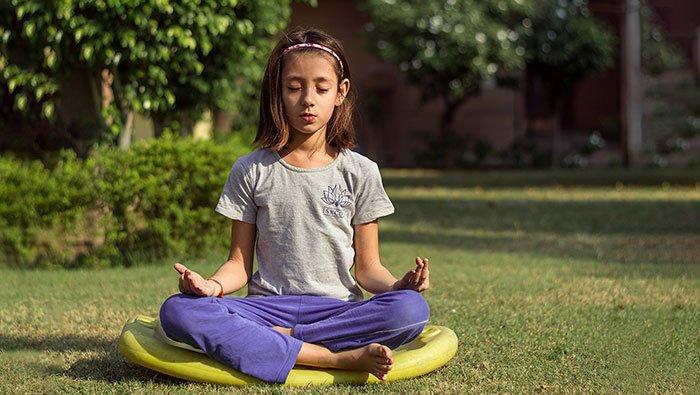 Child Meditating - Sonas Sangha - Oscailt, Dublin